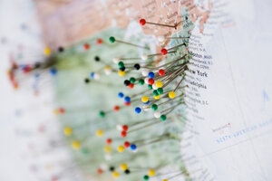 Pins in Map of US and Canadian Border - MINF10670