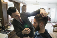Barber styling man - HEROF29729