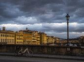 Italy, Tuscany, Florence, Arno river, Ponte Alla Carraia, View to Ponte Santa Trinita and Ponte Vecchio - LAF02252