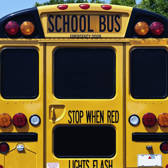 Yellow school bus - MINF11021