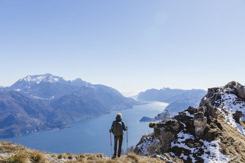 Woman hiking in the mountains. Como, Lecco. - MRAF00381