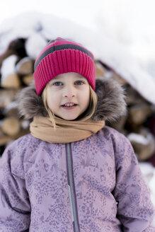 Finland, Kuopio, visiting a farmhouse in winter - PSIF00249