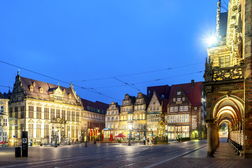 Germany, Bremen, market square, City Hall and Schuetting house - PUF01393