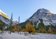 Austria, Tyrol, Karwendel mountains, Hinterautal, Kleiner Heissenkopf and Birkkarspitze - SIEF08488