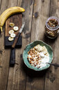 Chocolate coconut granola with bananas and yogurt - SBDF03917
