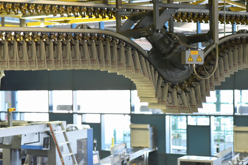 Machines for transport, conveyor belt  in a printing shop - SCHF00503