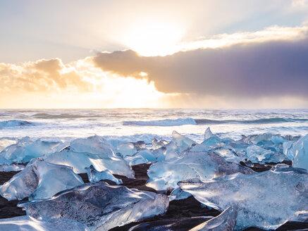 Iceland, Jokurlsarlon glacier and Atlantic Ocean - TAMF01247