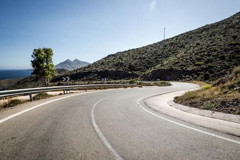 Spain, Andalusia, Capo de Gata, empty road - EGBF00308