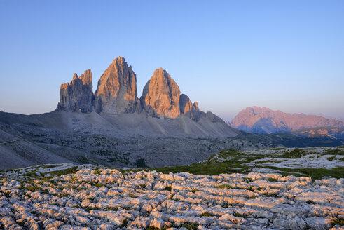 Italy, Sexten Dolomites, Tre Cime di Lavaredo at sunrise, Nature Park Tre Cime, Unesco World Heritage Natural Site - RUEF02141