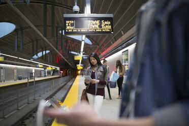 People waiting on subway station platform - HEROF35980