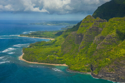 Hawaii, Kauai, Aerial of the Na Pali Coast, Na Pali Coast State Wilderness Park - RUNF01844