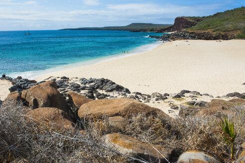 Hawaii, island of Molokai, Kawakiu beach - RUNF01876