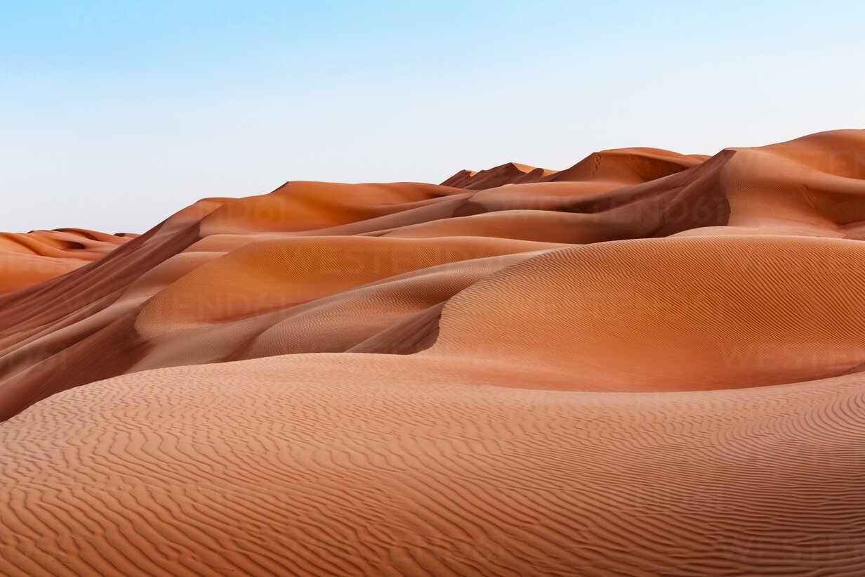 Sultanate Of Oman, Wahiba Sands, dunes in the desert - WVF01405 - Valentin Weinhäupl/Westend61
