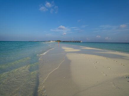 Maledives, Ross Atoll, water bungalows at the beach - AMF06903