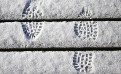 Footprints in snow - HSIF00546