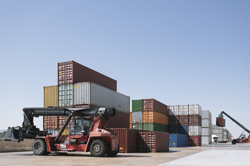 Stack of containers on industrial site - AHSF00158