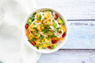 Glass noodle salad with shrimps, tomato, avocado, carrot, coriander and lime juice - LVF07978