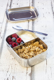 Box with granola, greek yogurt, blueberries and raspberries - LVF07992