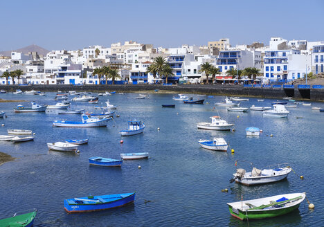 Spain, Canary Islands, Lanzarote, Arrecife, lagoon Charco de San Gines, fishing boats - SIEF08623