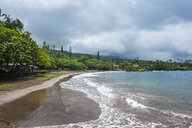 USA, Hawaii, Maui, Hana bay, Hana Beach Park - RUNF01912