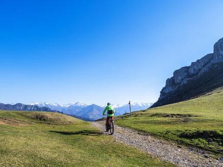 Spanien, Nordspanien, Asturien, Collada de Pelúgano, Pass, e-Bike - LAF02274