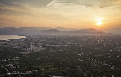 Blick auf Argos, Sonnenuntergang, Abenddämmerung, Argolis, Peloponnes, Griechenland - MAMF00651