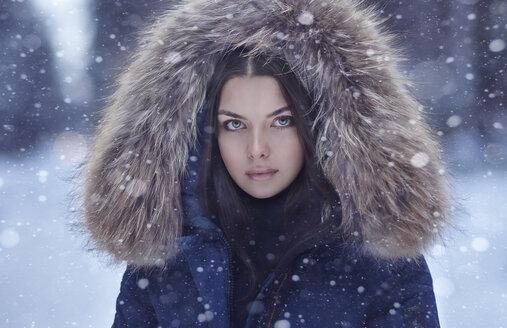 Portrait of serious Caucasian woman in winter - BLEF02599