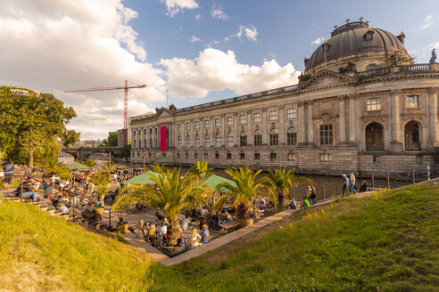 Bode Museum with the Lustgarten in foreground - TAM01413