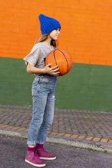 Young girl with basketball - ERRF01238