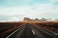 Road leading towards mountain ranges, Kálfafell, Vestur-Skaftafellssysla, Iceland - CUF51194