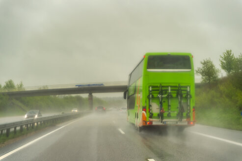 Motorway during rain, coach - FRF00832