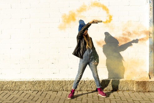Girl with orange smoke torch - ERRF01288