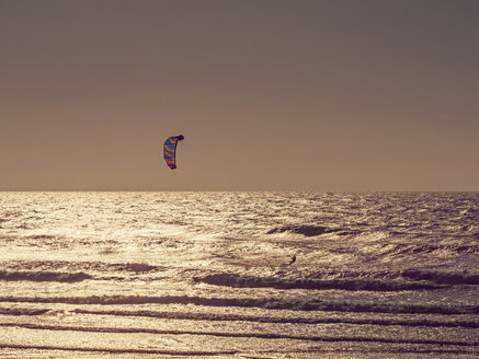 France, Contis Plage, kite surfer - LAF02313