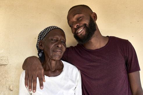 Grandson and Grandma having a good time together. Maputo city, Moçambique, Maputo. - VEGF00176