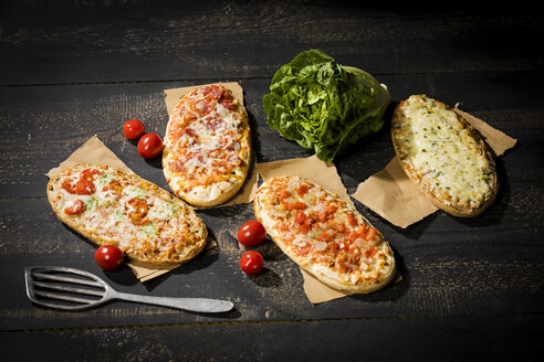 Rustic pizza breads - MAEF12867