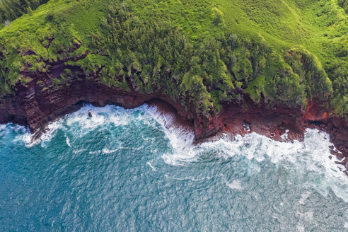 Overhaed view over Pacific Ocean and West Maui Mountains, Honokohau Bay, Maui, Hawaii, USA - FOF10738