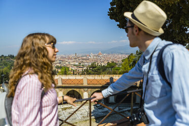 Young couple on a city break in Florence, Tuscany, Italy - MGIF00426