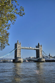 UK, London, River Thames and Tower Bridge - MRF01980