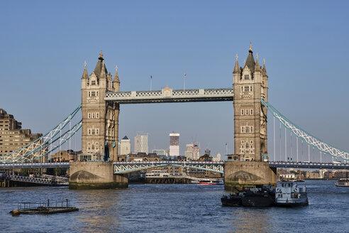 UK, London, River Thames and Tower Bridge - MRF01989
