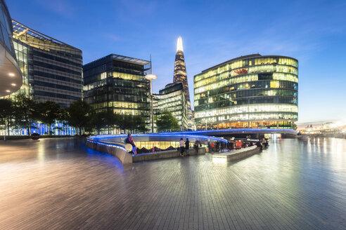UK, London, modern office buildings at dusk - TAMF01435