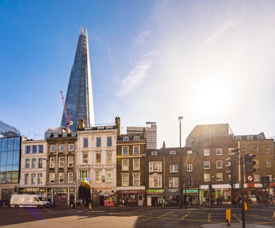 UK, London, Borough High Street with the Shard in background - TAMF01477