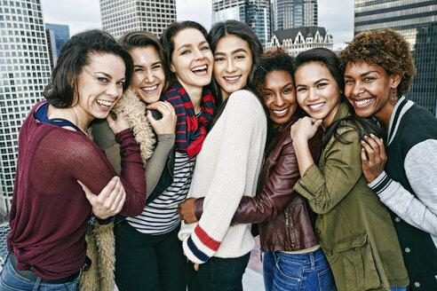 Stylish women posing on urban rooftop - BLEF03837