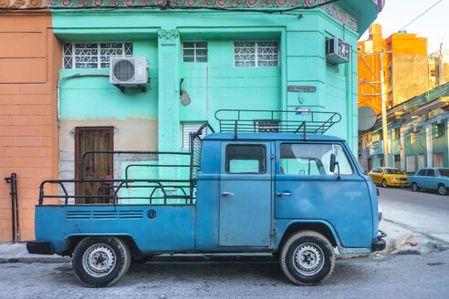Parked modified blue van, Havana, Cuba - HSIF00598