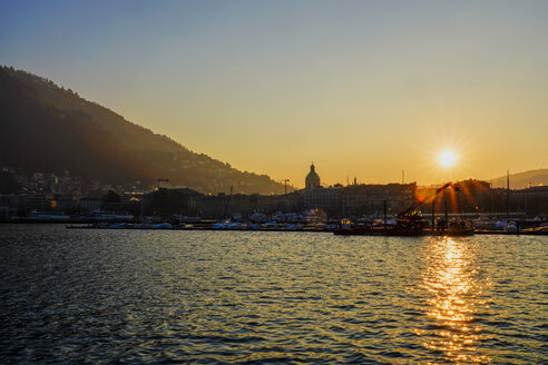Como at sunrise in winter, Lombardy, Italy - LOMF00867
