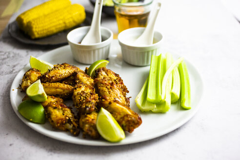 Spicy chicken wings with lime and celery - GIOF06380
