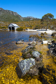 Dove Lake and Cradle Mountain, Tasmania, Australia - RUNF02149