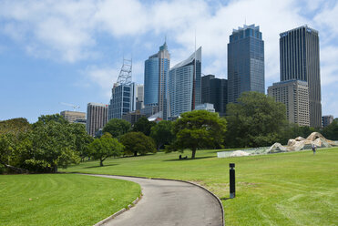 Skyline of the Sydney business district, New South Wales, Australia - RUNF02211