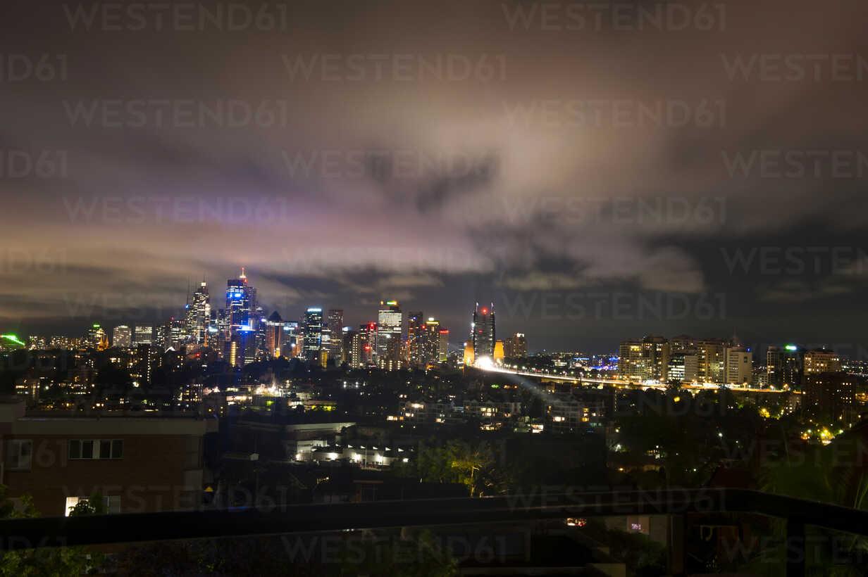Skyline of Sydney at night, New South Wales, Australia - RUNF02220 - Michael Runkel/Westend61