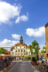 View to townhall with weekly market in the foreground, Lueneburg, Germany - PUF01557