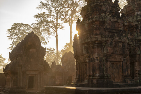 Banteay Srei Temple at sunset, Angko, Siem Rea, Cambodia - TOVF00126